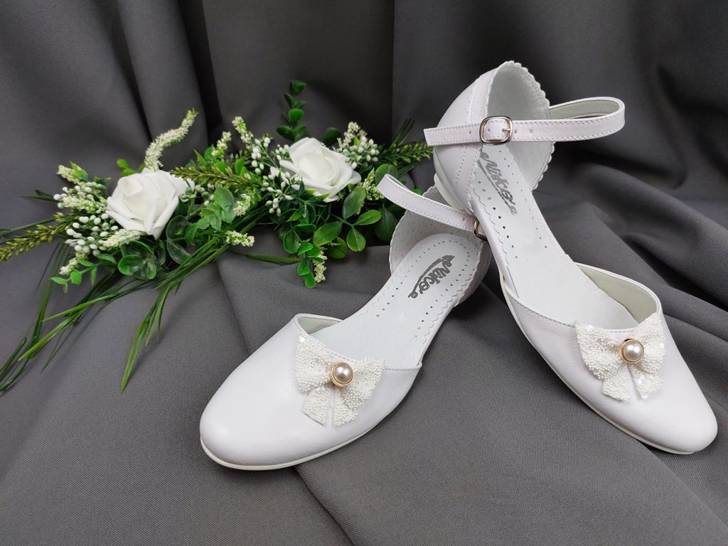 5ff7542f03d53 obuwie komunijne, buty komunijne, obuwie komunijne produkcja, białe buty,obuwie  do pierwszej